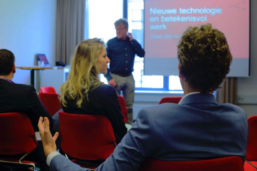 Wilco Brinkman tijdens zijn interactieve deelsessie over het effect technologie op betekenisvol werk