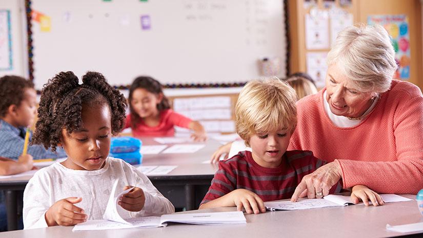 Formeel ouderenbeleid ontbreekt in het onderwijs